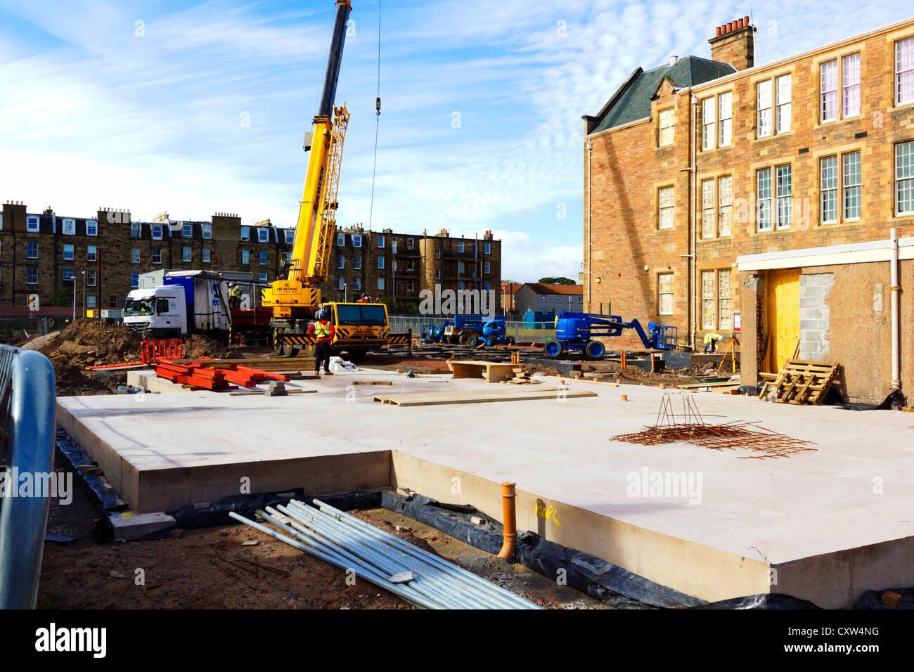 Fondements de la nouvelle école maternelle en cours de construction en Écosse. Banque D'Images