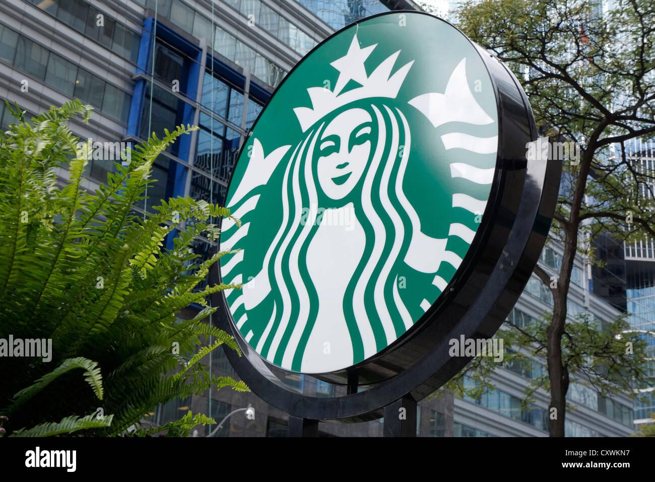 Logo Starbucks signe, à l'extérieur Photo Stock