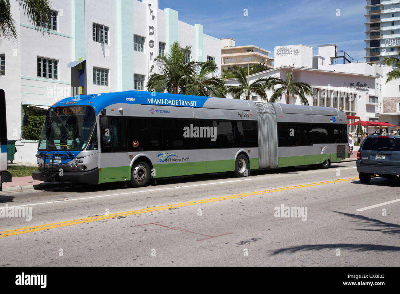 Miami-Dade Transit transport public par bus hybride Miami South beach floride usa Photo Stock