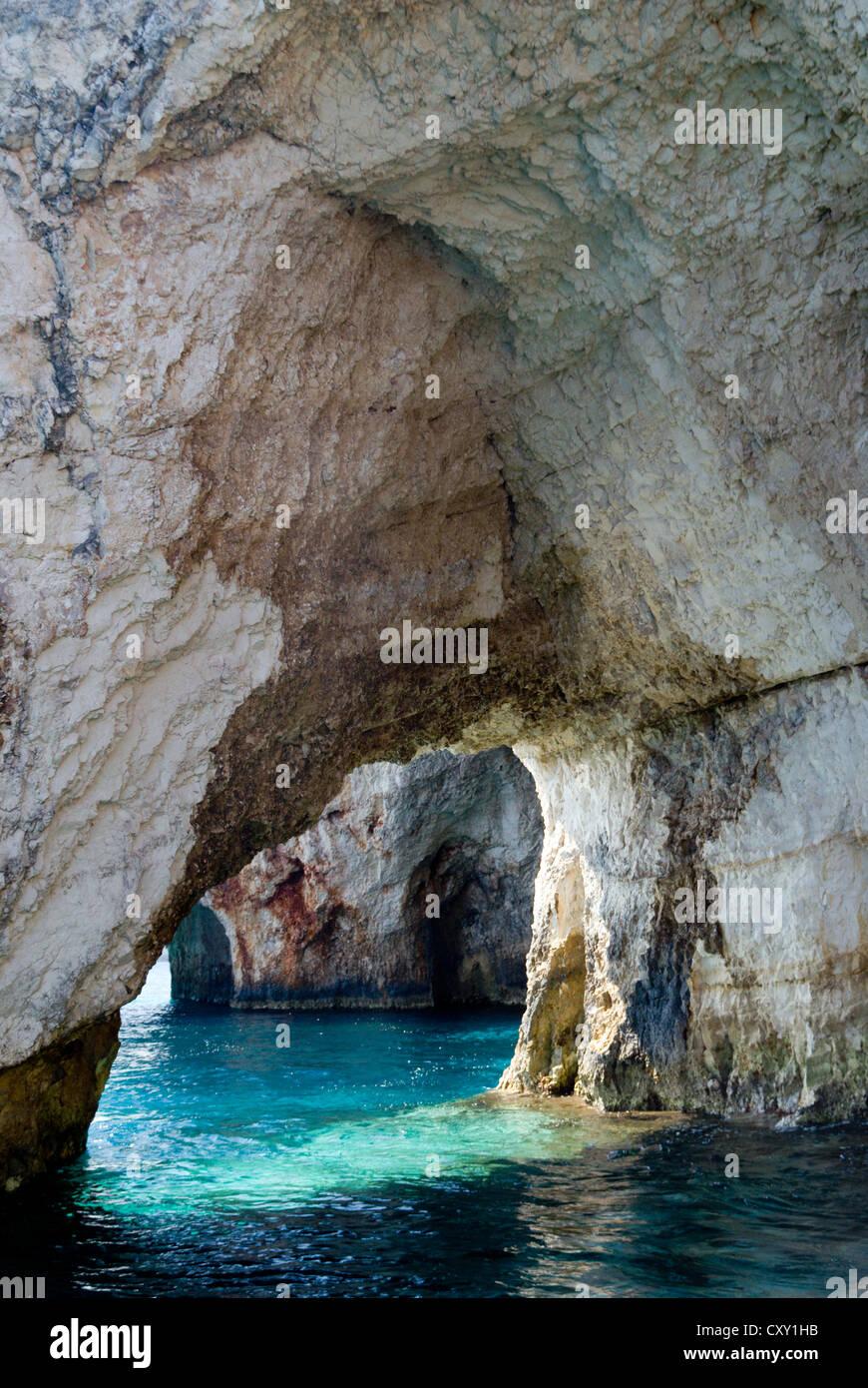 Les grottes blue, skinari, zante/zante, îles Ioniennes, Grèce. Banque D'Images