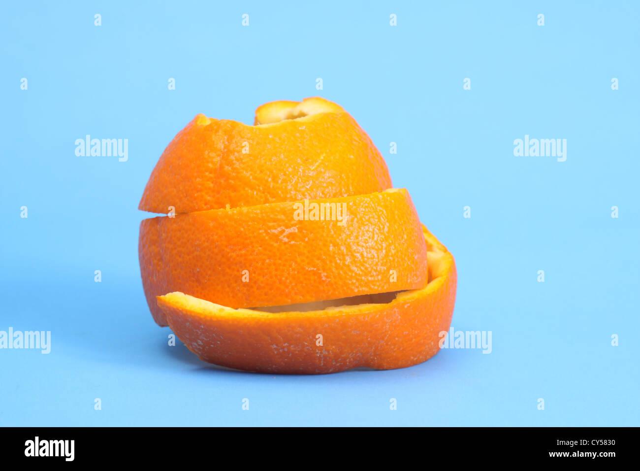 Orange Peel lovés dans une boule. Photo Stock
