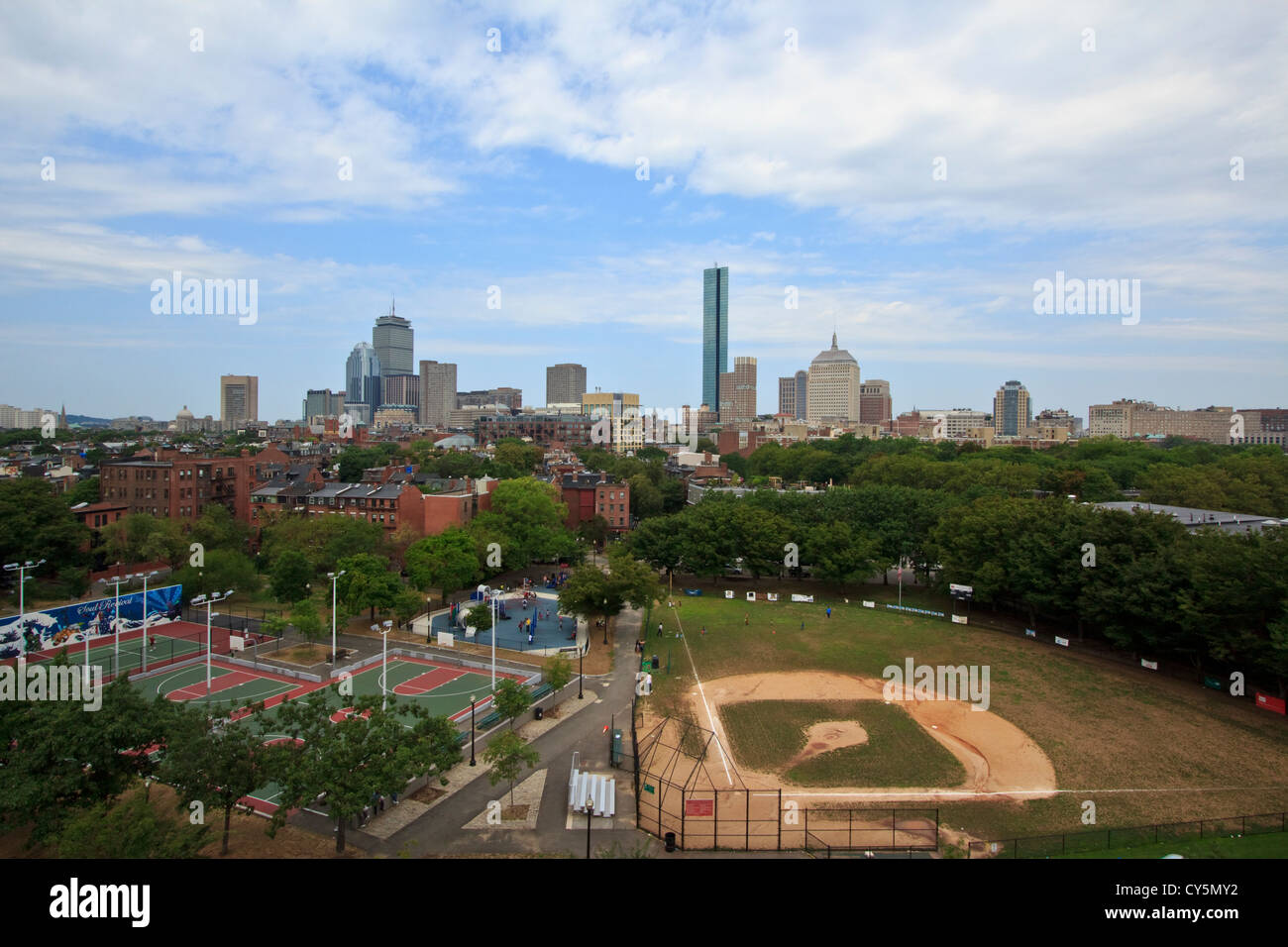 Boston skyline avec les parcs du centre-ville en premier plan Photo Stock