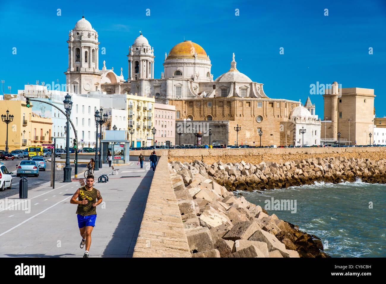 Front de mer de Cadix, Andalousie, Espagne Banque D'Images