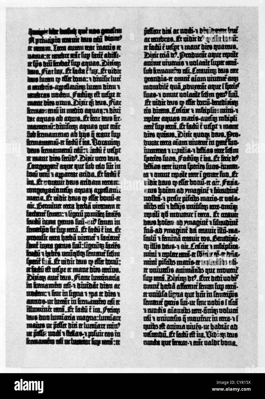 Une page de 42 lignes de Gutenberg Bible, d'abord paru en 1455 Banque D'Images