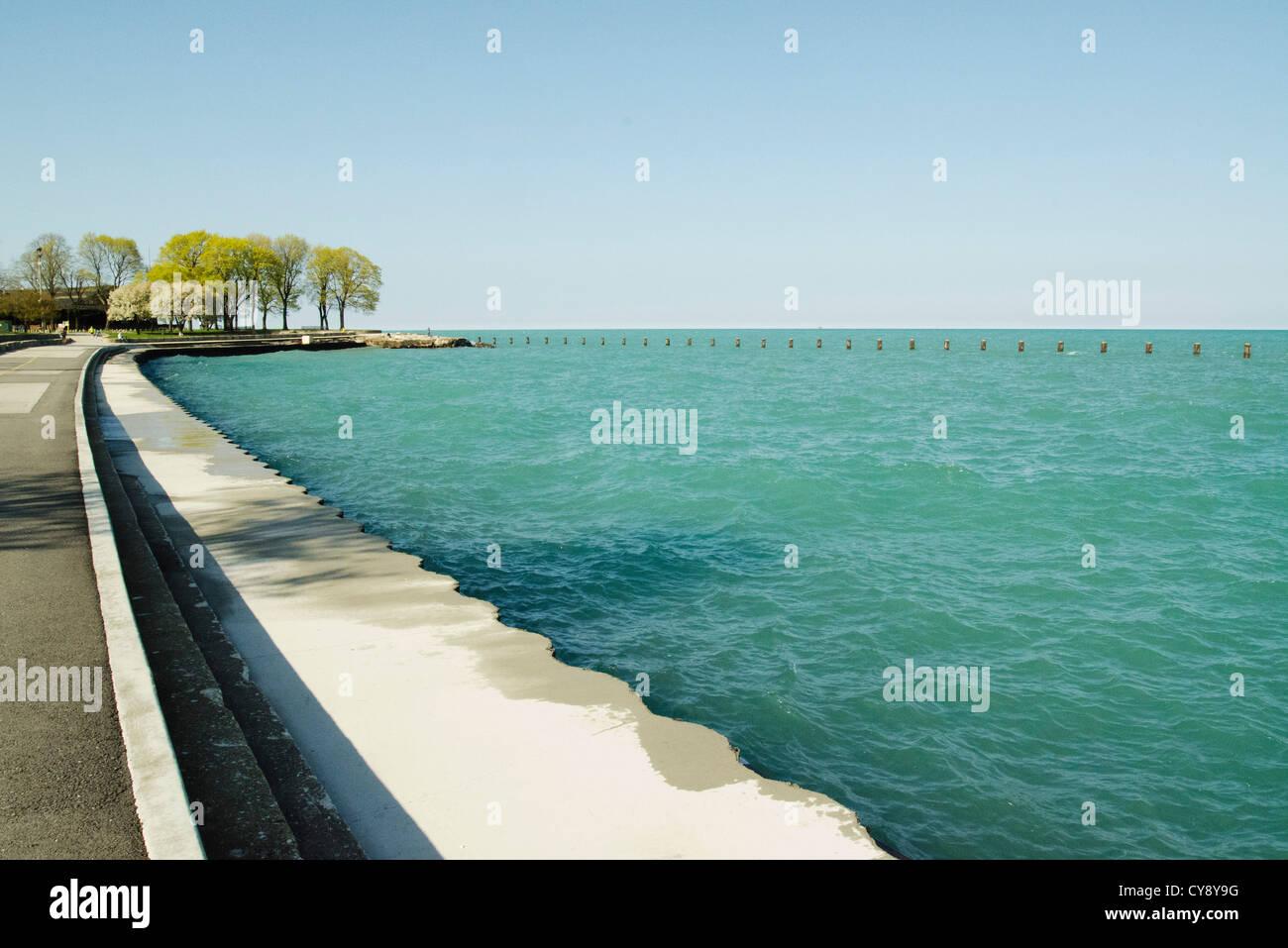 Promenade sur les rives du lac Michigan Photo Stock
