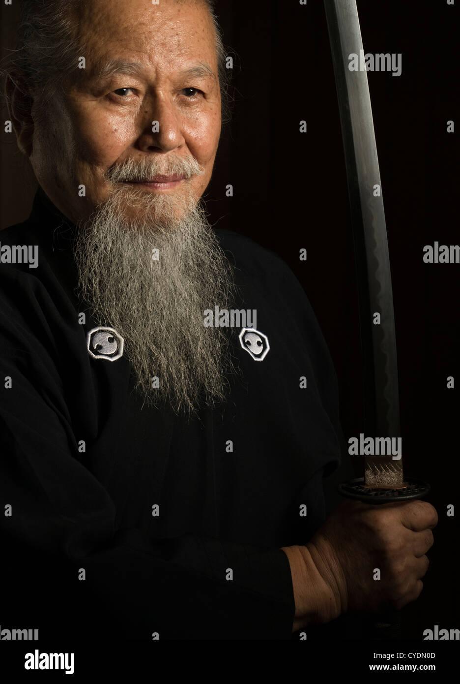 Hamamoto Sensei Maître Iaido japonais à Okinawa, Japon Photo Stock