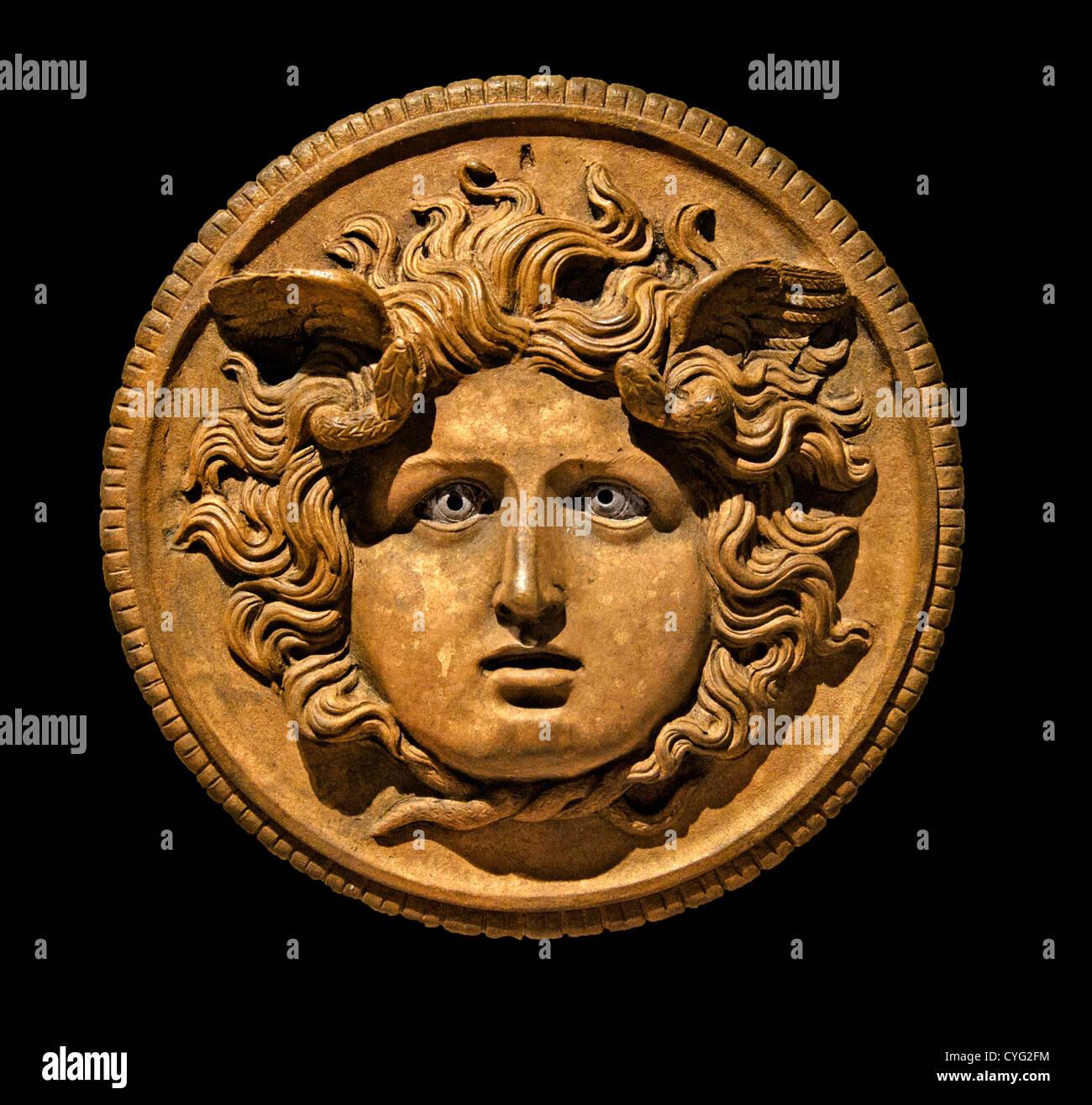 Tête de Méduse ornement en bronze à partir d'un char impérial 1er pôle-2ème siècle Photo Stock