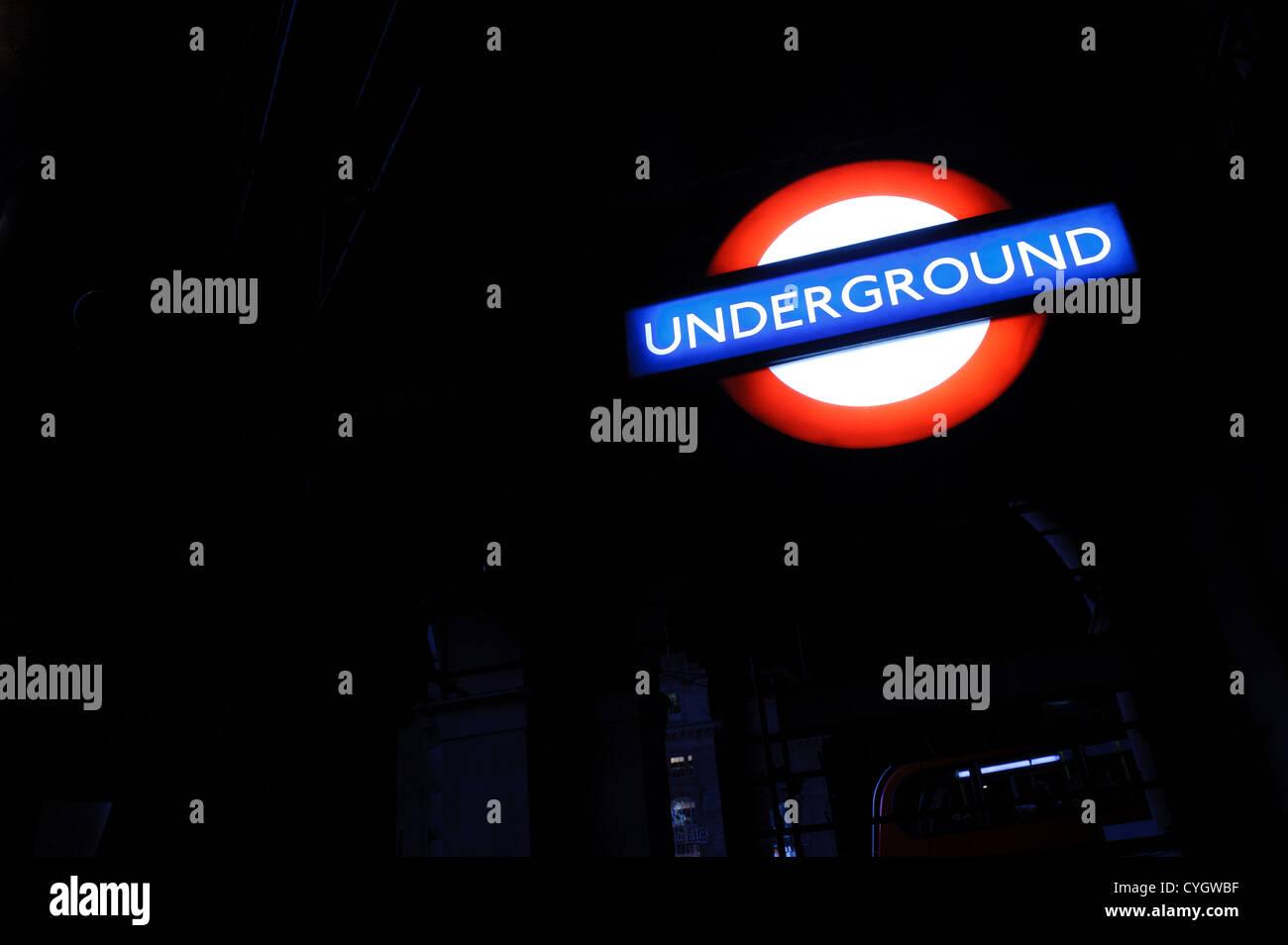 London Underground sign at night Photo Stock