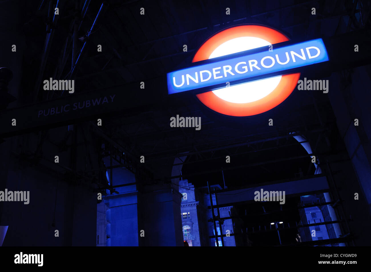 London Underground sign at night Photo Stock