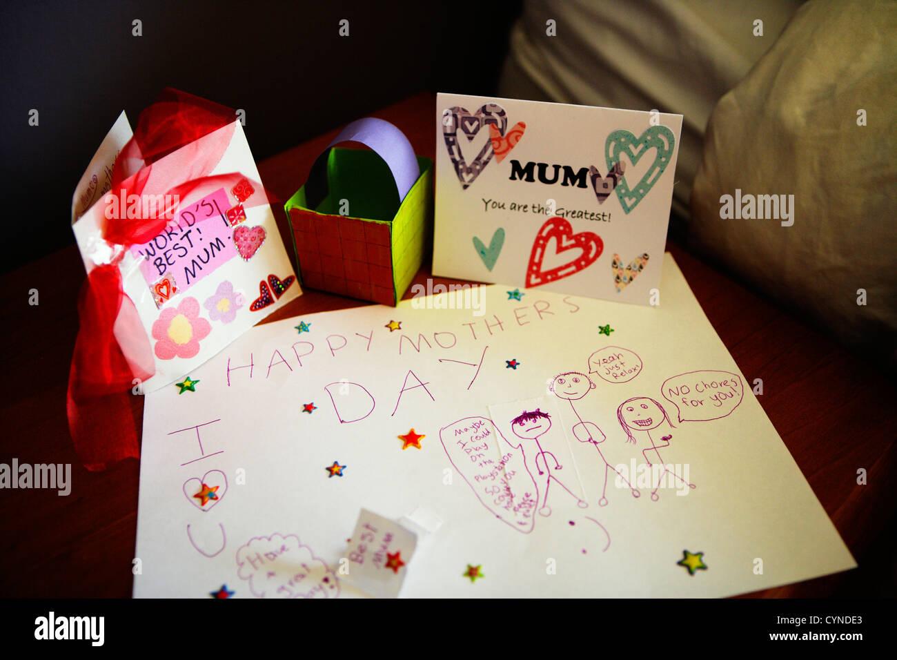 Heureuse Fête des mères, cartes faites maison Photo Stock