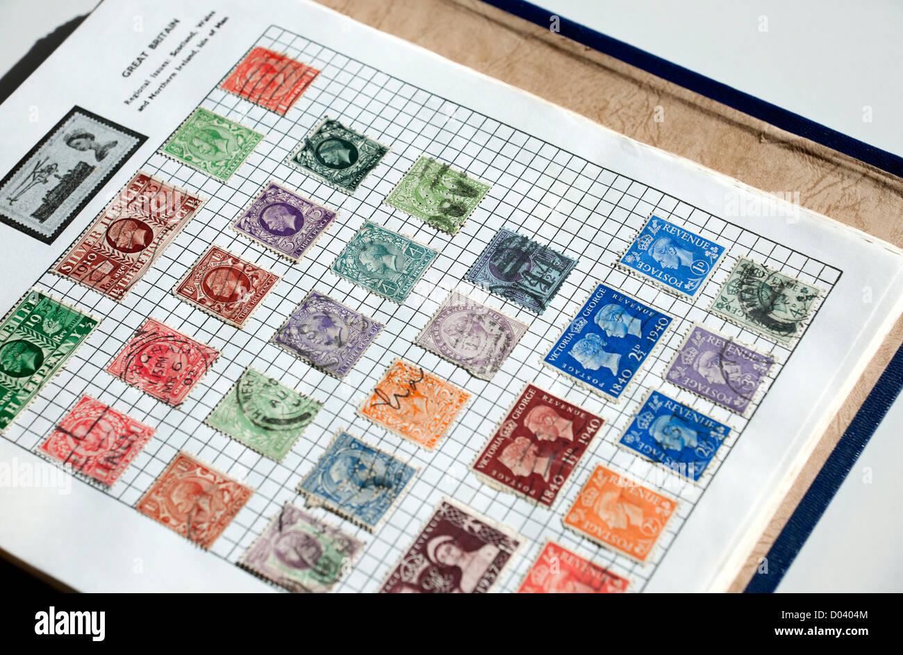 Page de l'album de timbres britanniques en Angleterre Royaume-Uni Royaume-Uni GB Grande Bretagne Photo Stock