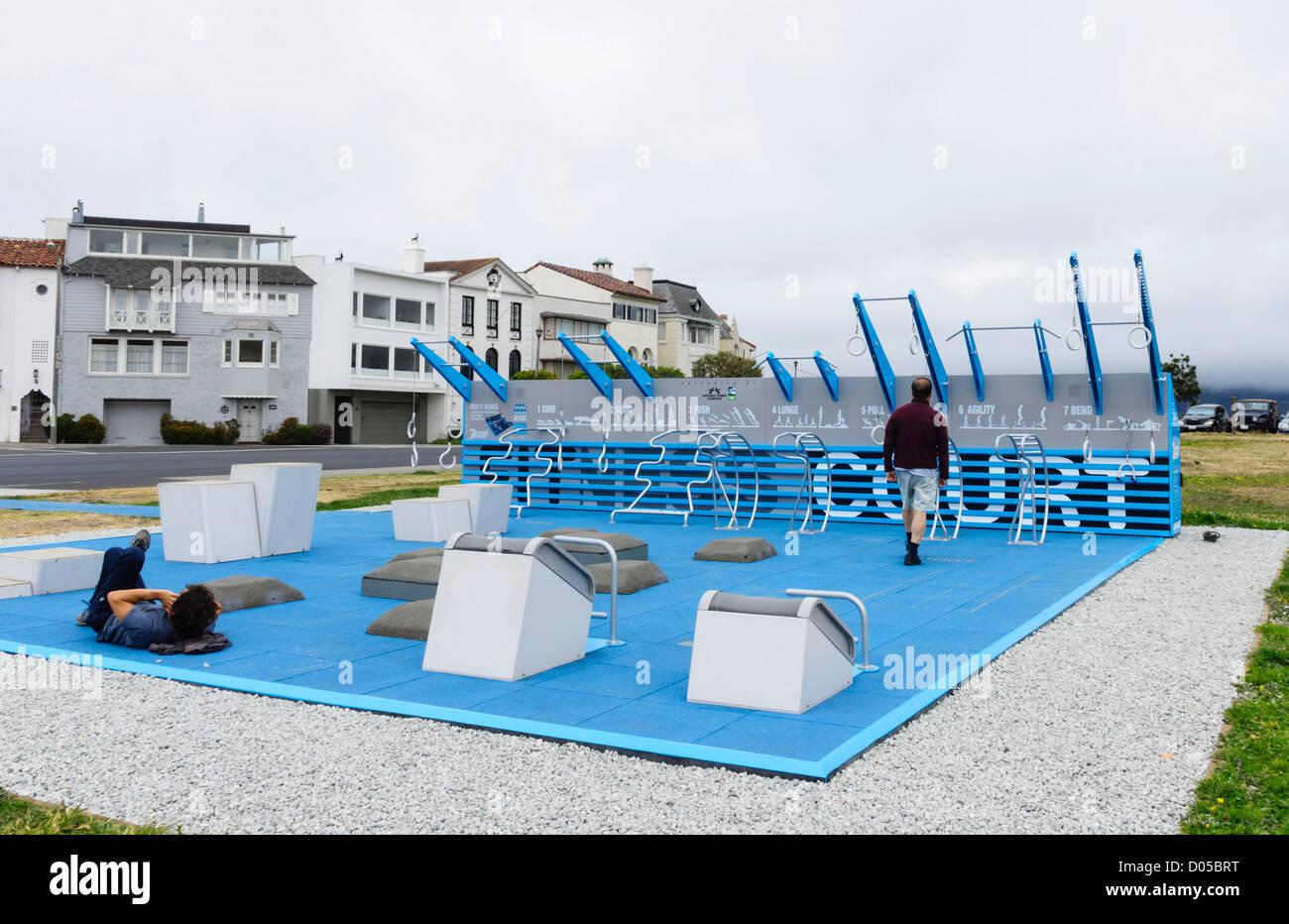 San Francisco - community public cour de remise en forme sur la zone Marina Boulevard. Photo Stock