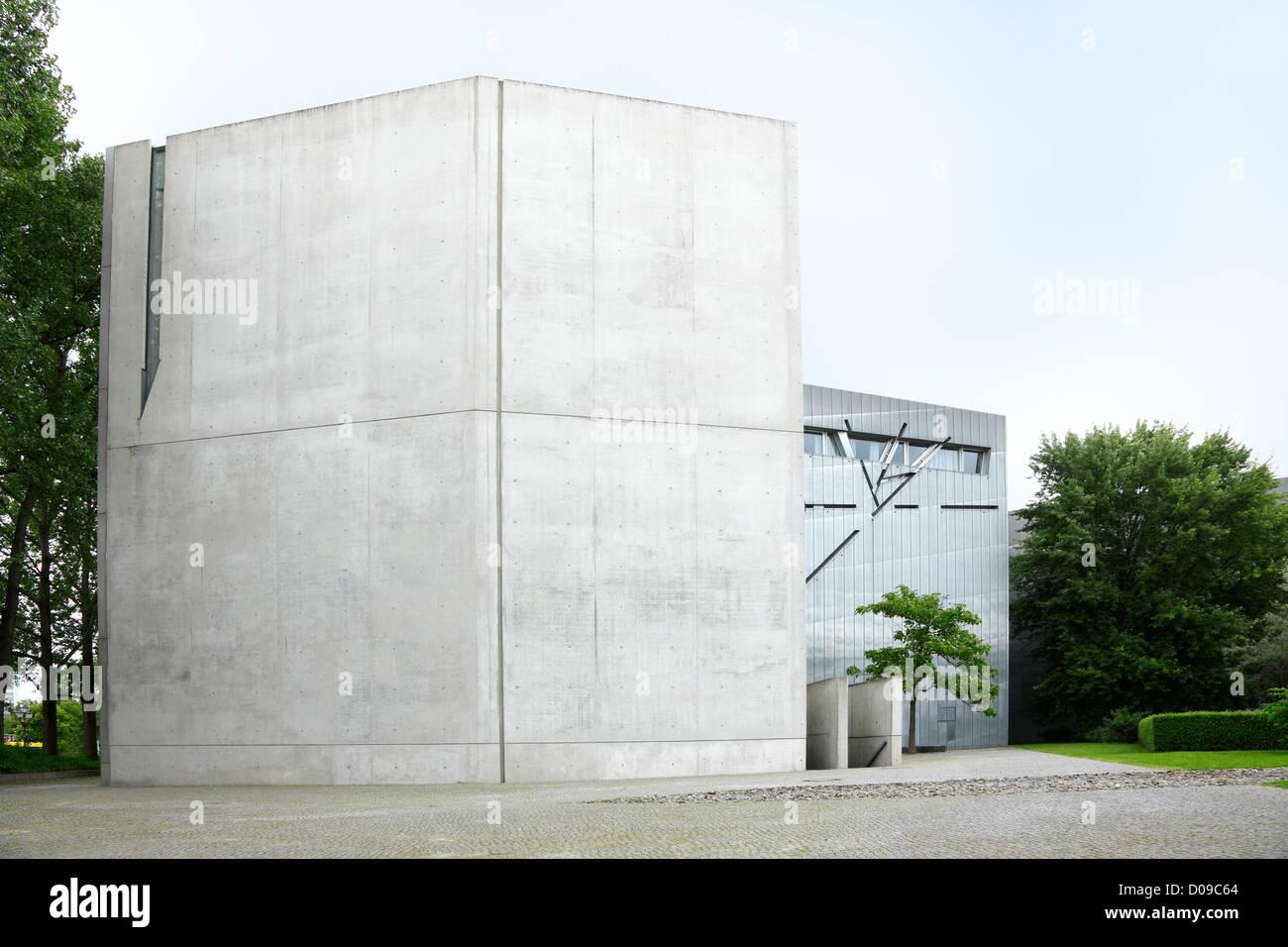 Musée juif de Berlin conçu par Daniel Libeskind Banque D'Images