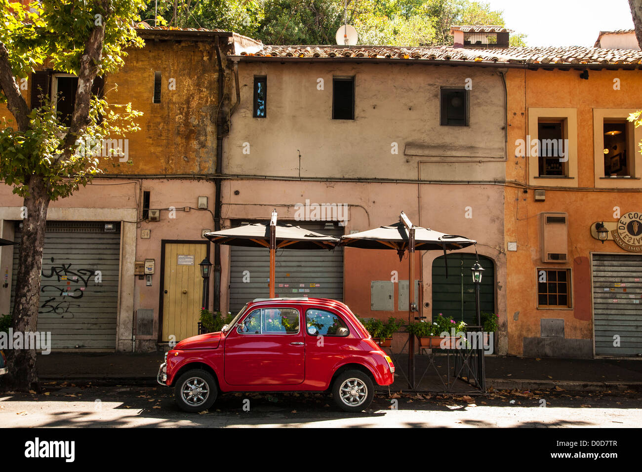 fiat 500 rouge rome italie banque d 39 images photo stock 51922663 alamy. Black Bedroom Furniture Sets. Home Design Ideas