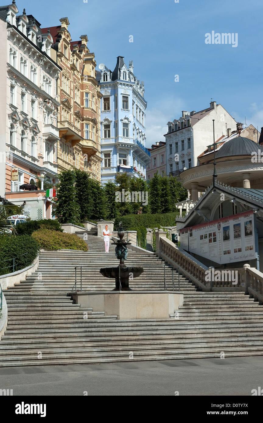 Elk188-2313/ République tchèque, Karlovy Vary, fontaine et escaliers Photo Stock
