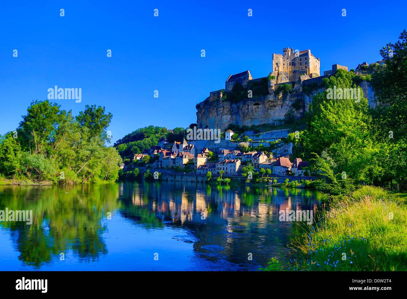 France, Europe, voyage, Dordogne, Beynac, architecture, paysage, château, cité médiévale, matin, Photo Stock