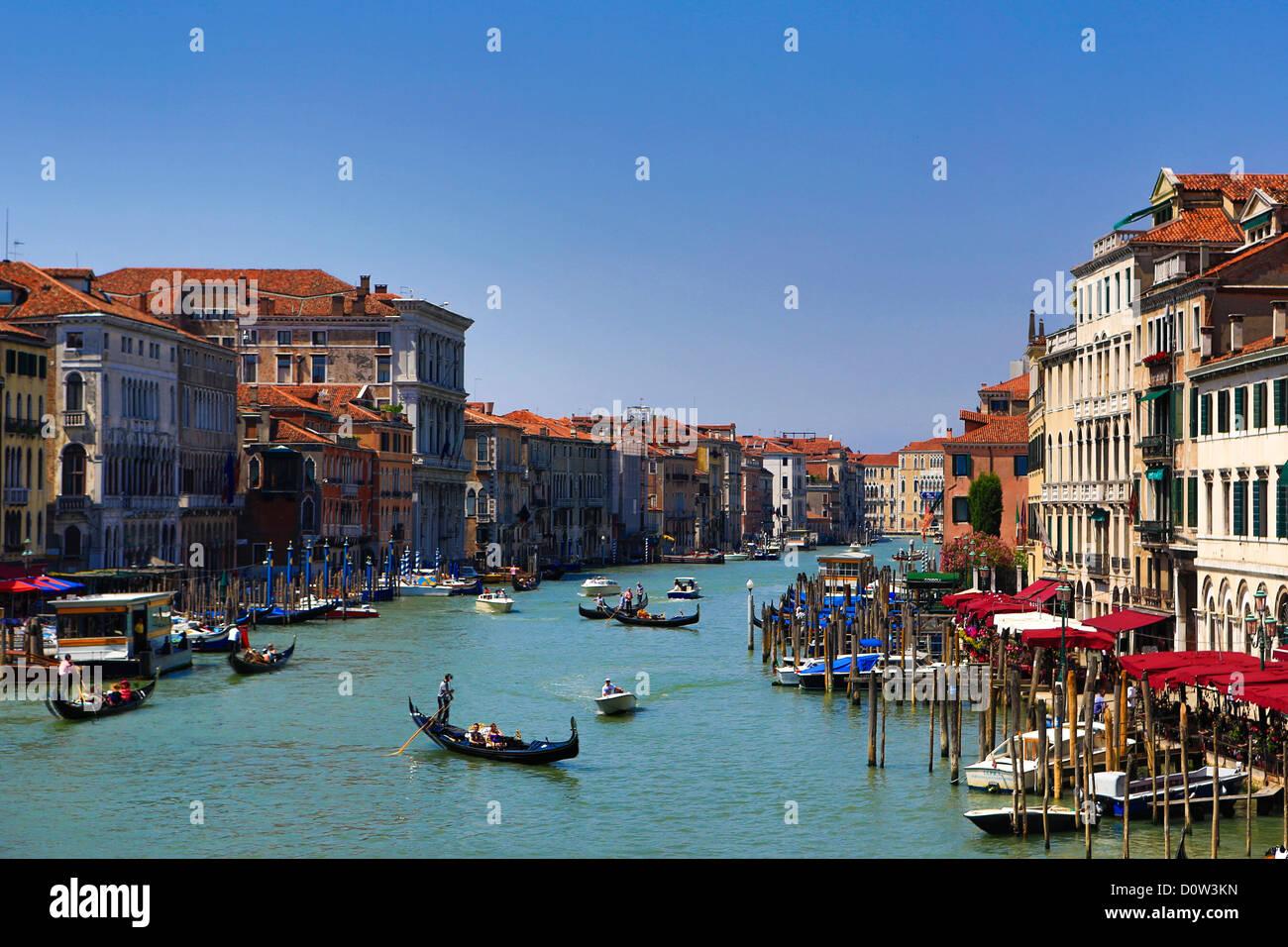 L'Italie, l'Europe, voyage, Venise, le Grand Canal, bateaux, gondola, le tourisme, l'Unesco, Photo Stock