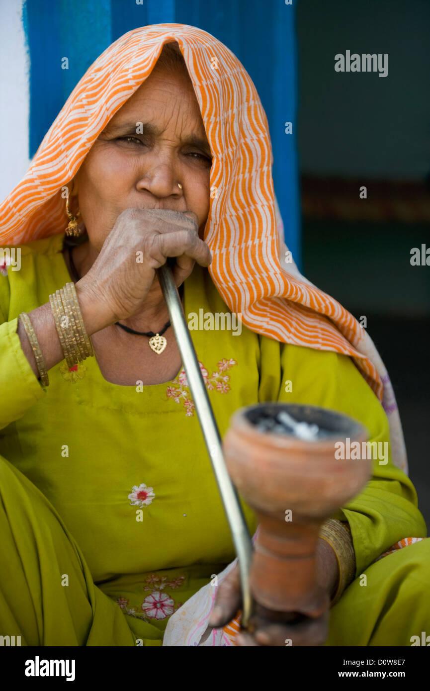 indien femme pipe noir Sexe cam