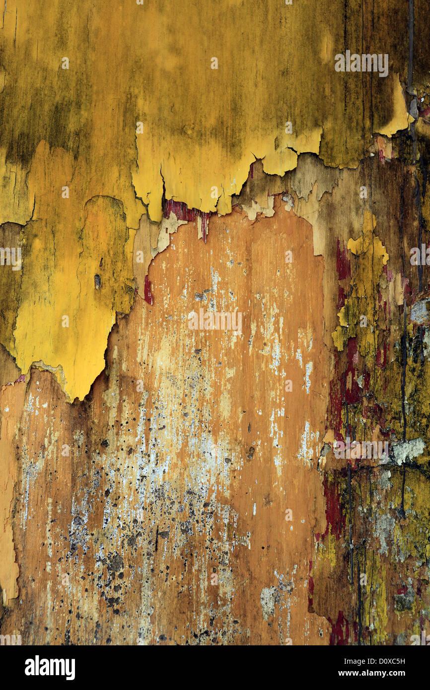 Peinture Jaune écaillée Sur Mur Extérieur Banque D Images