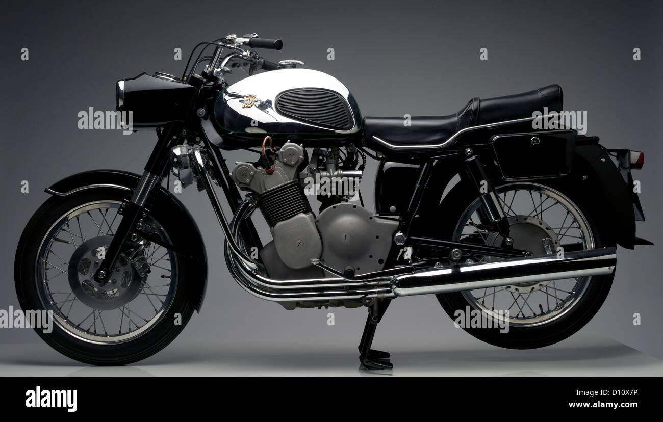 Moto MV Agusta noir Banque D'Images