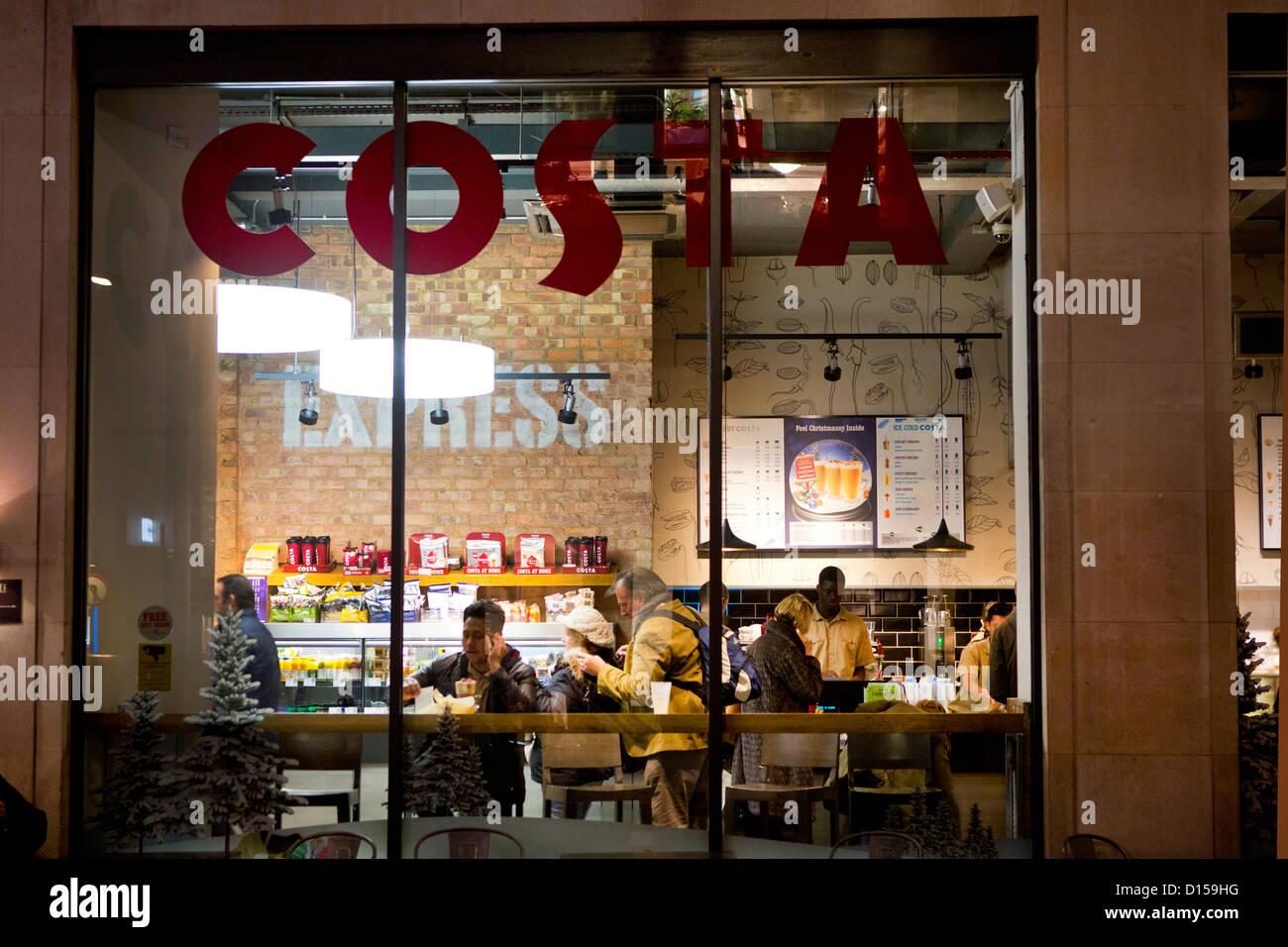 Un café Costa à Londres. Photo Stock