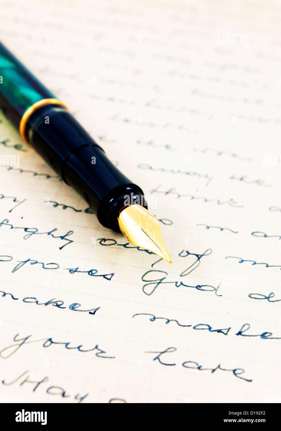 Lettre ancienne avec stylo plume Photo Stock