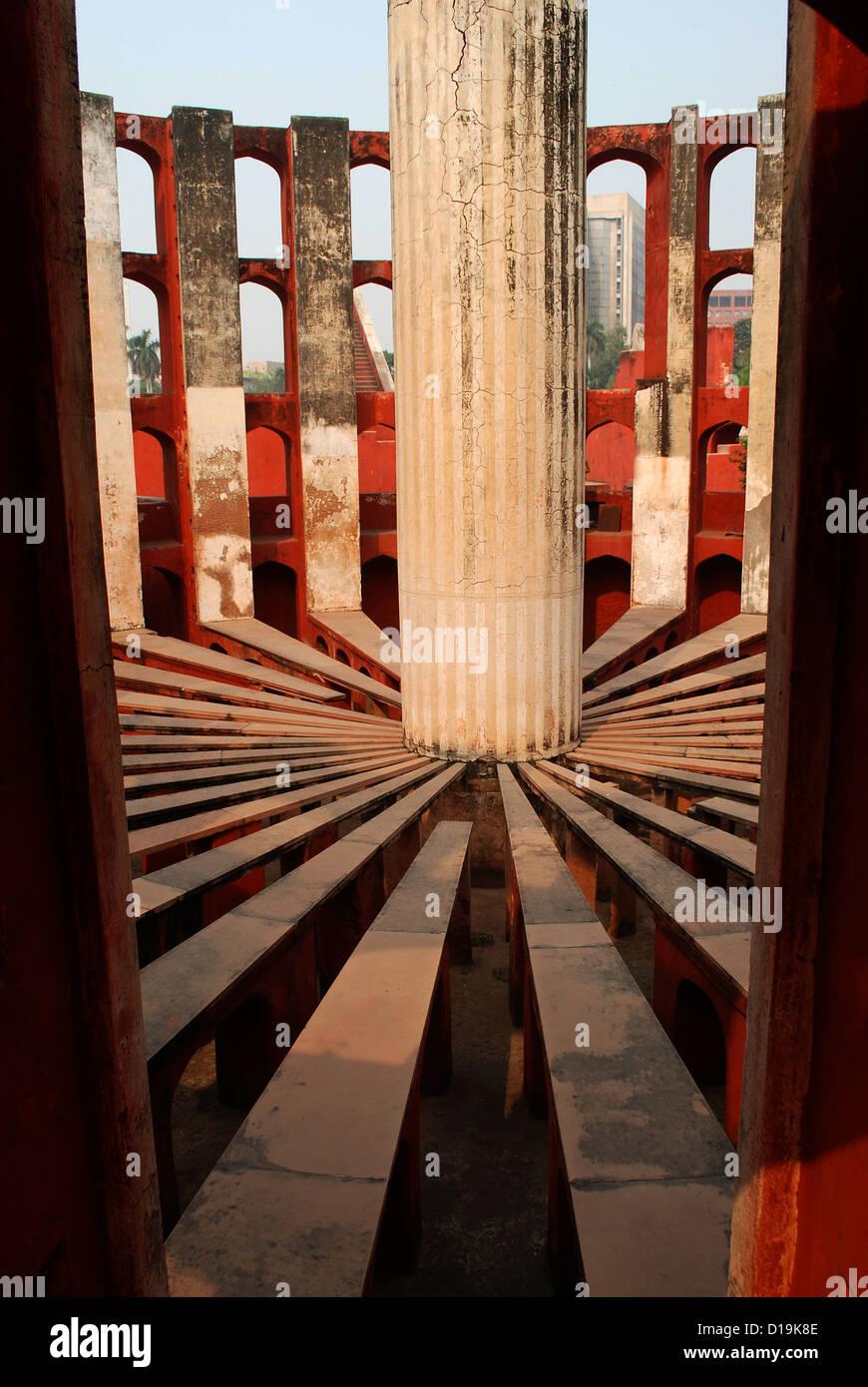 Jantar Mantar, un ancien observatoire astronomique de Delhi, Inde Photo Stock