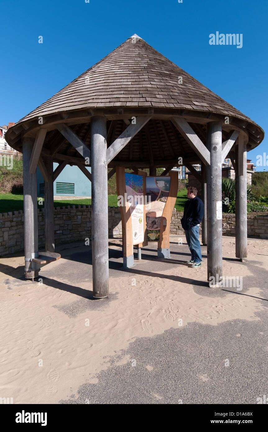 Abris De Spa Rond circular board photos & circular board images - alamy