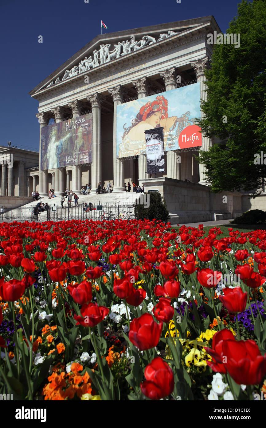 Budapest, Musée des beaux-arts sur la Place des Héros Photo Stock