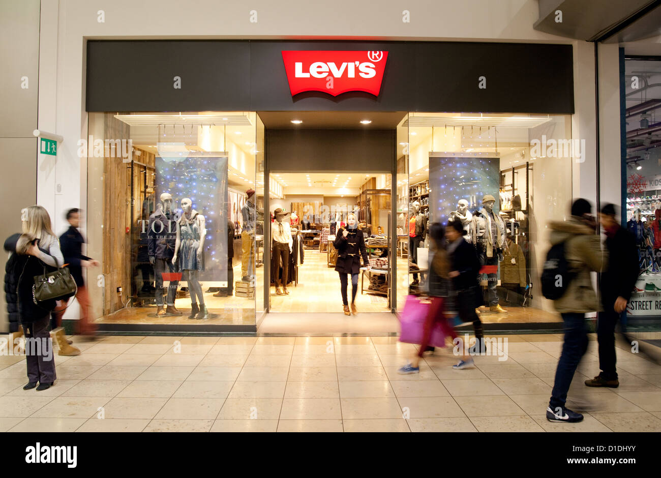 Shop Store Milton Levis Le Centre Mk La Jeans Keynes UpEqUxwFt
