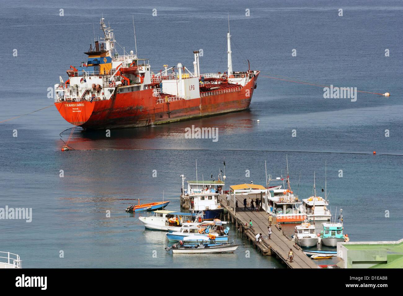 La Grenade. La baie de Grand Mal. Avis de navire-citerne de carburant à l'étranger. Photo Stock