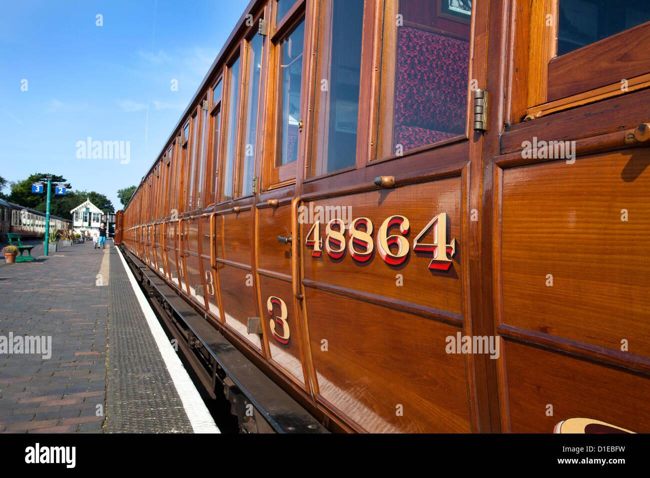 Vintage LNER du matériel roulant sur la ligne de pavot, North Norfolk, Fer à Sheringham, Norfolk, Angleterre, Photo Stock