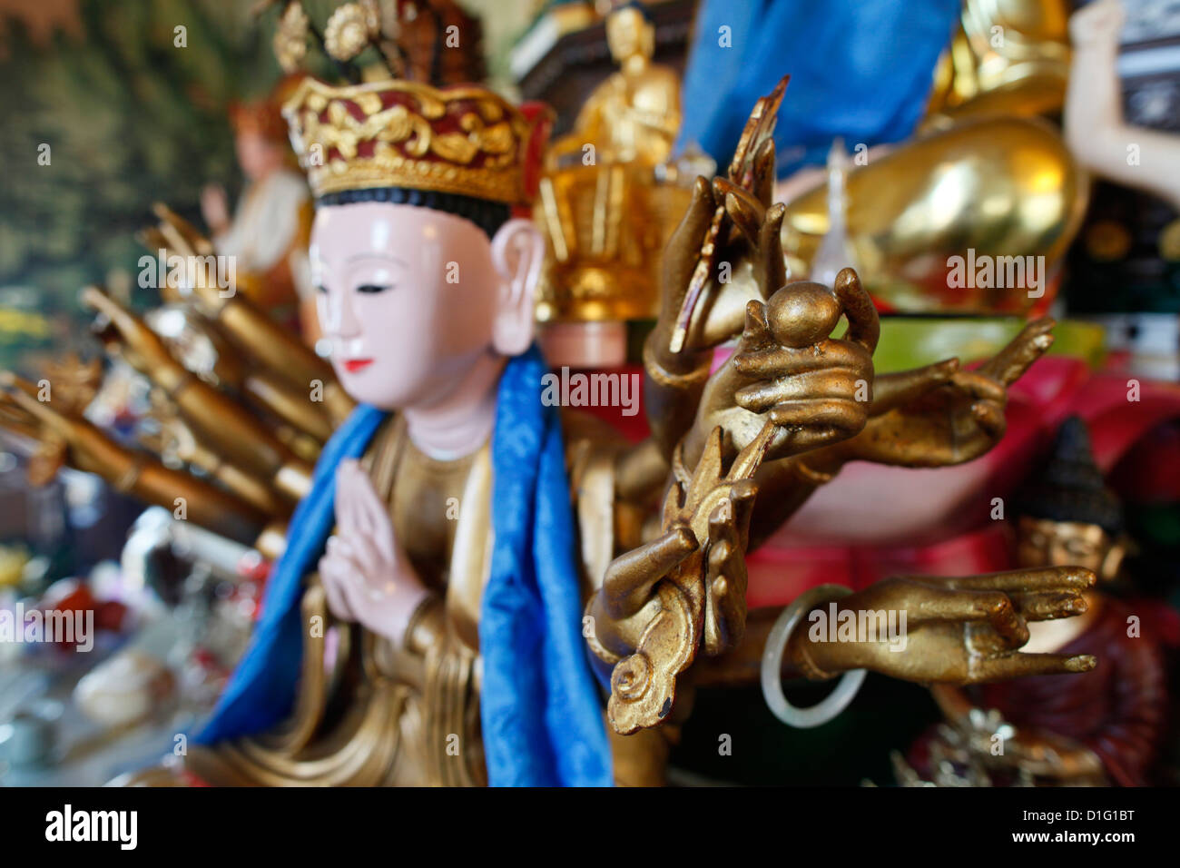 Statue de Bouddha, Tu un temple bouddhiste, Saint-Pierre-en-Faucigny, Haute Savoie, France, Europe Photo Stock