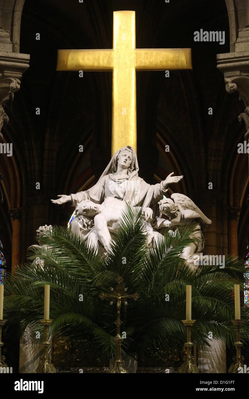 Sculpture Pieta le Dimanche des Rameaux, la cathédrale de Notre Dame, Paris, France, Europe Photo Stock