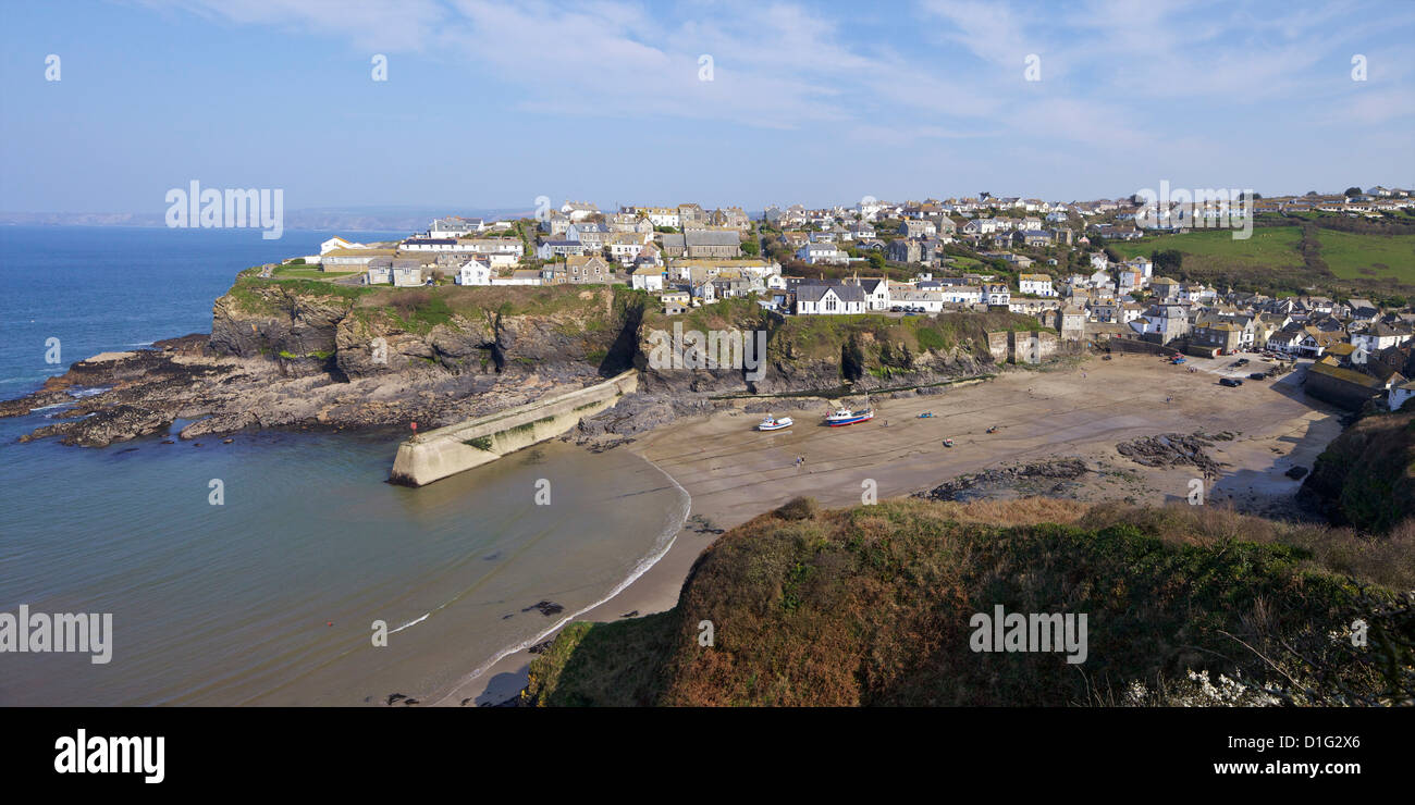 Photo panoramique du vieux port à port Isaac dans soleil du printemps, Cornwall, Angleterre, Royaume-Uni, Europe Photo Stock
