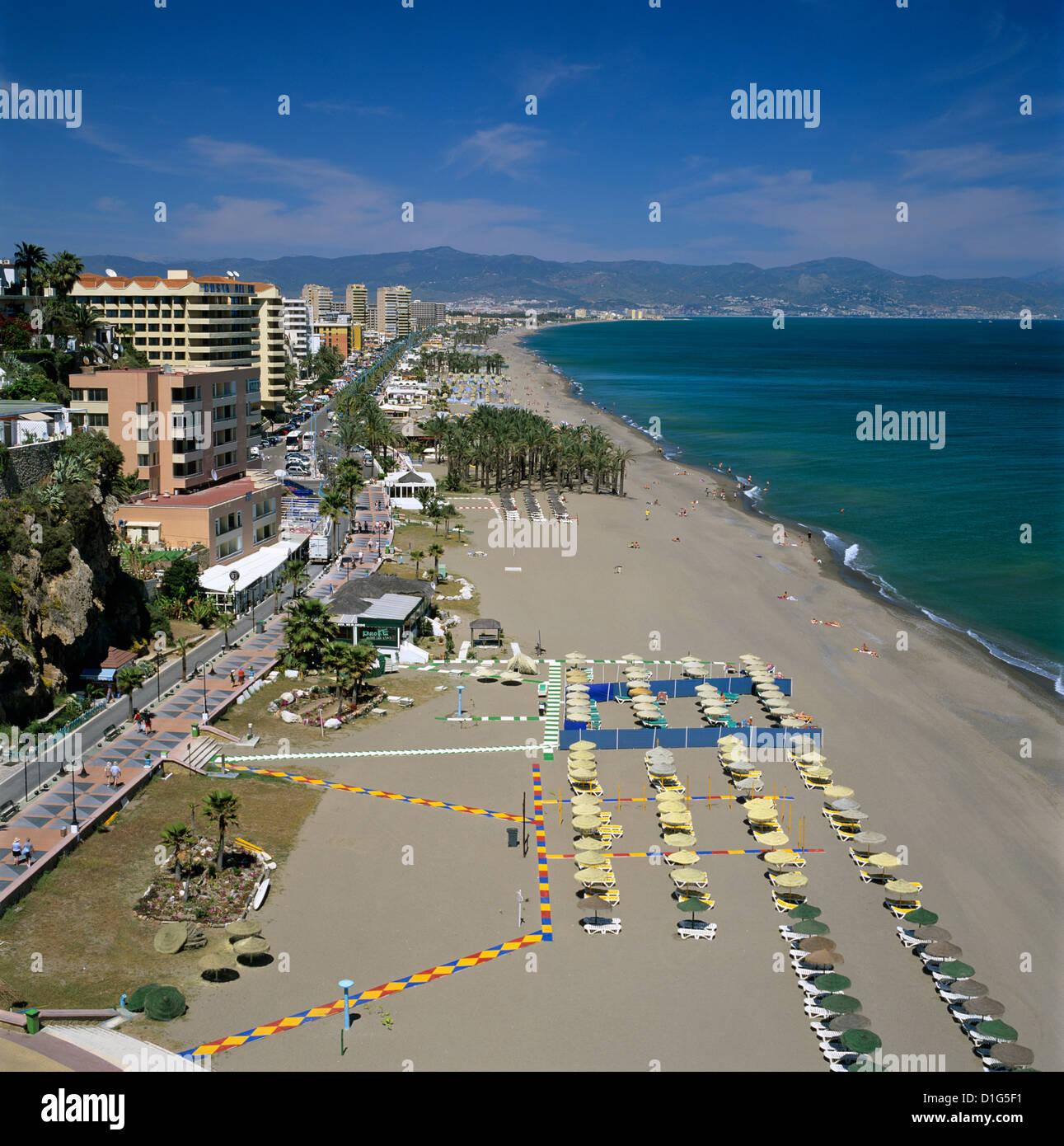Vue le long beach, Torremolinos, Costa del Sol, Andalousie, Espagne, Méditerranée, Europe Photo Stock