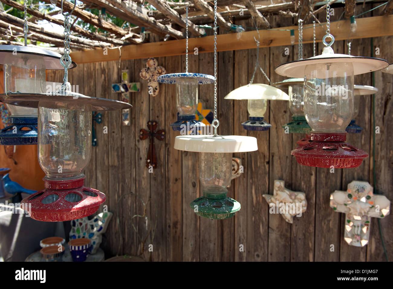 Lampes rétro suspendu à la vente à la ferme de poulet de Art Centre, San Angelo, Texas, US Photo Stock