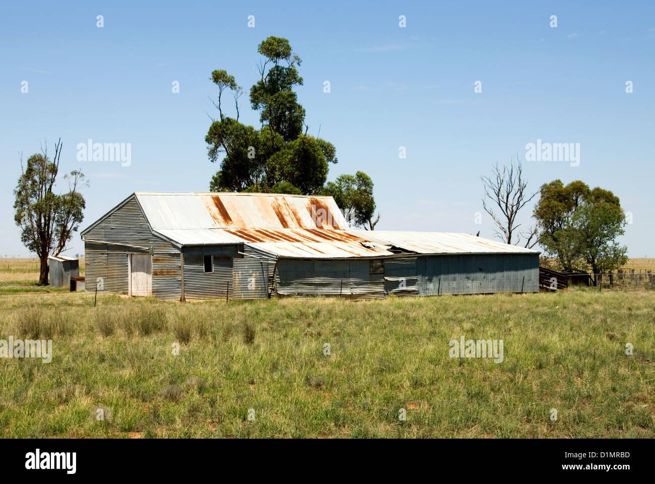 Un vieux hangar de tonte sur une exploitation agricole en pays nouvelle galles du sud