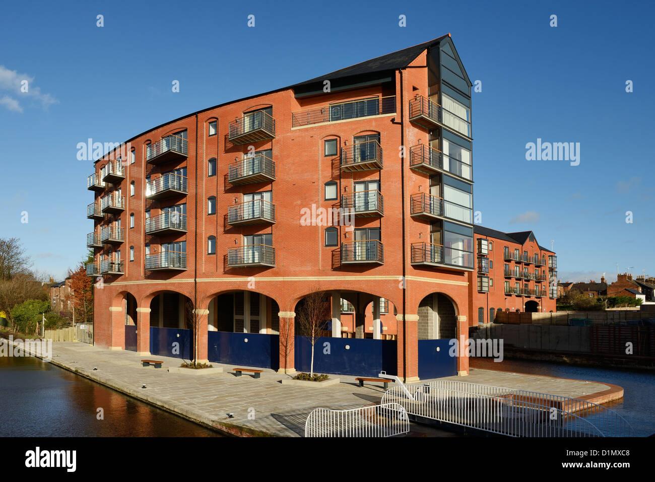 Construire de nouvelles maisons et appartements à Chester UK Photo Stock