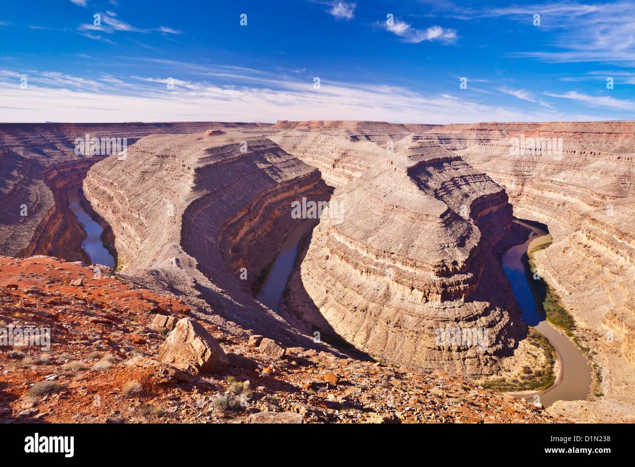 Des méandres de la Rivière San Juan pour former Goosenecks State réserver l'Utah, États Photo Stock