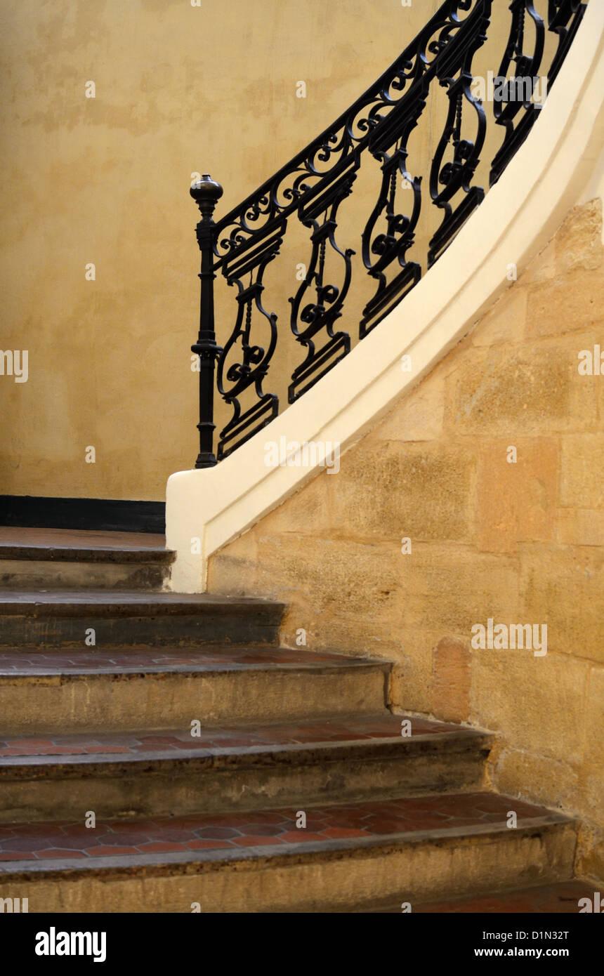 Escalier Du Musee De La Tapisserie Ou Palais De L Archeveche
