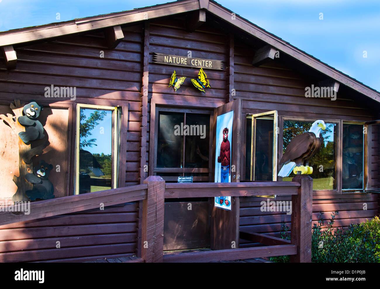 Le Centre de la Nature au Camp 5 Camp de bûcherons dans la région de Laona, Wisconsin Photo Stock