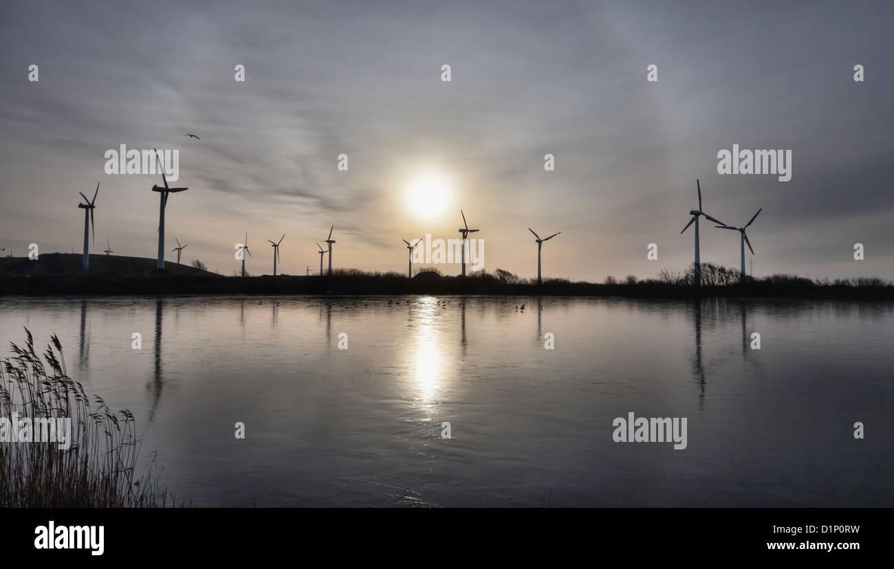 La ferme d'éoliennes dans la mer des Wadden, Esbjerg, Danemark Photo Stock