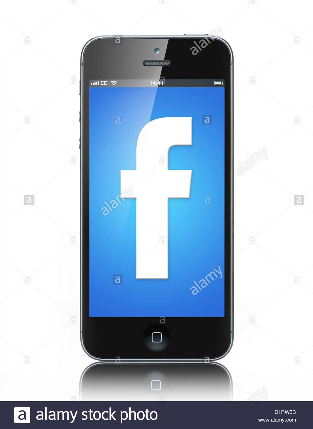 L'iphone 5 avec Facebook sur son écran Photo Stock