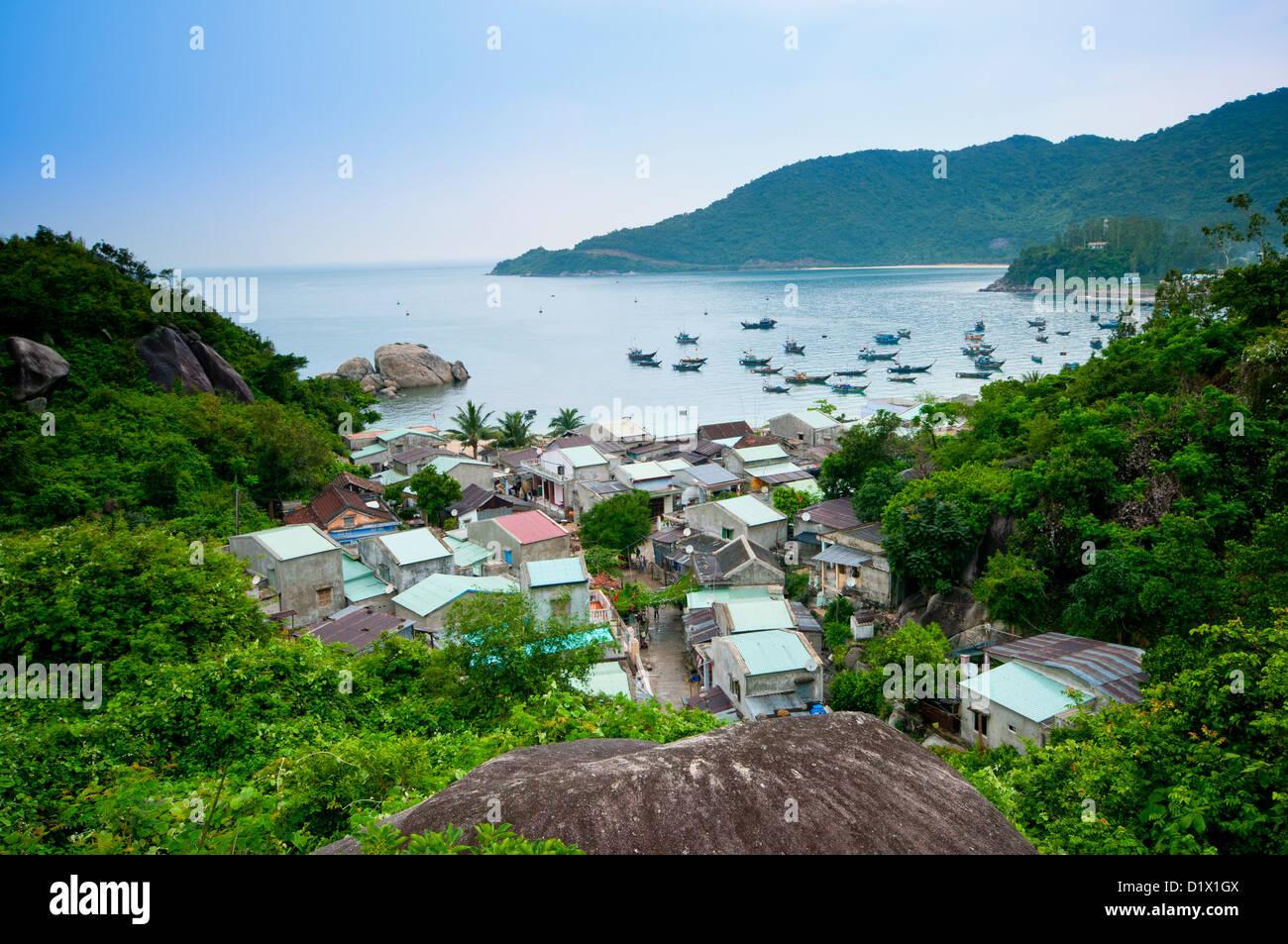 Avis de Bai Lang Village de pêcheurs, député, Lao Cham, îles du Vietnam. Asie Photo Stock