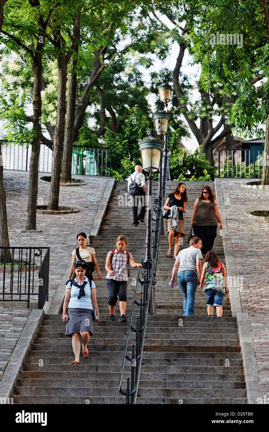 Les gens sur l'escalier qui mène à Montmartre, Paris, France, Europe Photo Stock