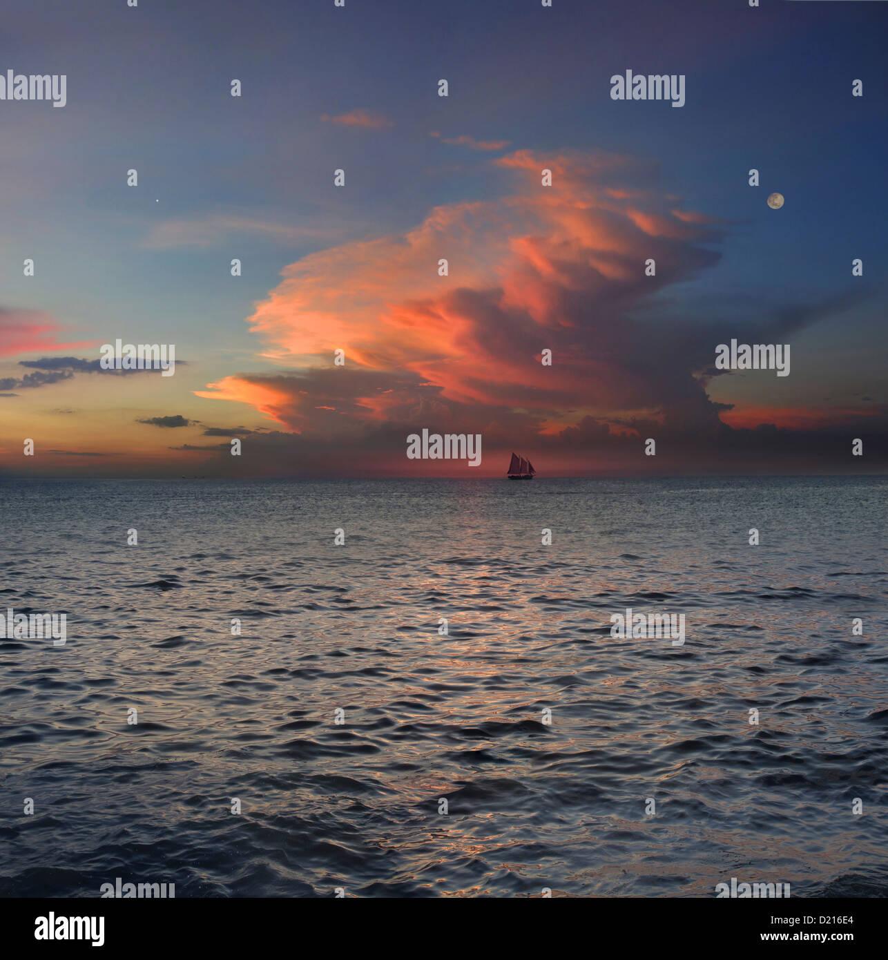 Vue sur l'horizon sur sloop au coucher du soleil, Boracay, Philippines, Asie Photo Stock
