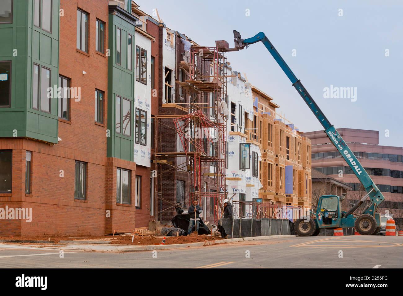 Nouveau multi-résidentiel maison en construction Photo Stock