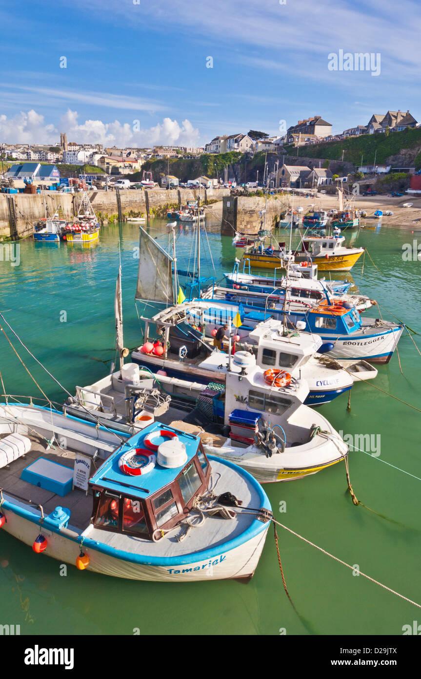 Les bateaux de pêche amarrés dans le port, Newquay, Cornwall, England, GB, le Royaume-Uni, l'Union Photo Stock