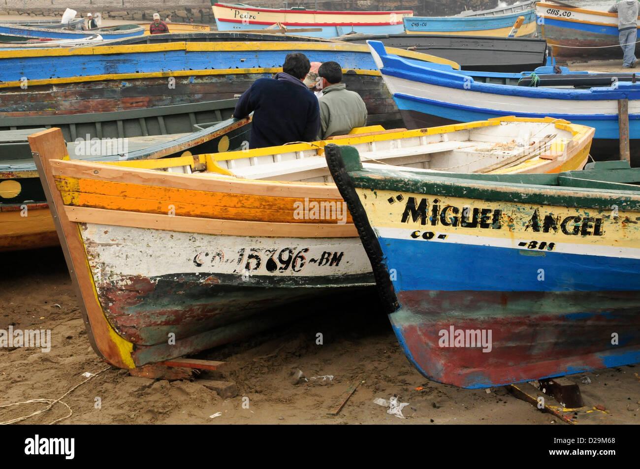 Des bateaux de pêche, Lima, Pérou Photo Stock